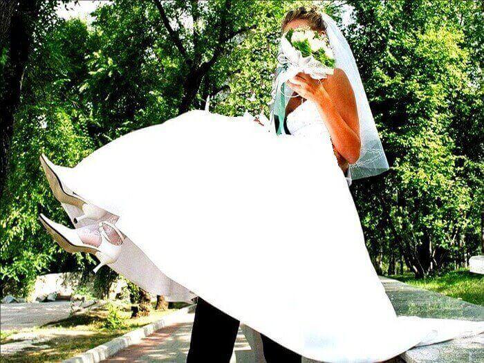 Глажка свадебного платья отпаривателем